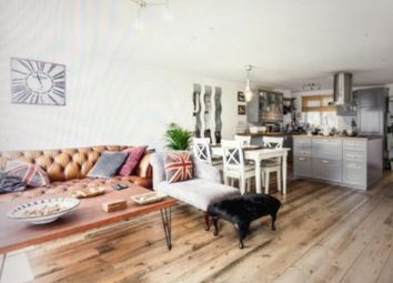 Thumbnail Room to rent in Tamar Square, Woodford Green
