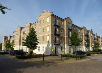 2 bed flat to rent in Coxhill Way, Aylesbury HP21