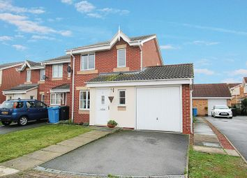 Thumbnail 3 bed property to rent in Shilling Close, Kingswood, Hull