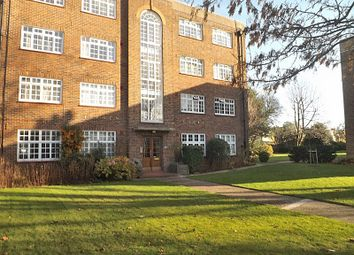 Thumbnail 2 bed flat to rent in Clifden Road, Twickenham