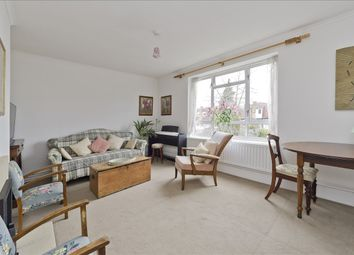 Ramillies Road, London W4. 3 bed flat for sale