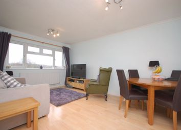 Fearney Mead, Rickmansworth WD3. 2 bed flat