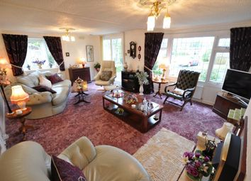 Thumbnail 2 bed mobile/park home for sale in Woodgreen, Mowbreck Park, Wesham, Lancashire