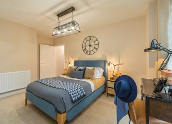 Thumbnail 3 bed flat for sale in Crossway, Stoke Newington