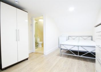 Thumbnail Property to rent in Chapter Road, London