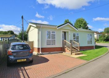 Thumbnail 2 bed mobile/park home for sale in Green Road, Shillingford Hill, Wallingford