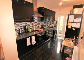 Thumbnail 4 bed flat to rent in Alma Street, London