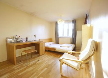 Thumbnail 1 bed flat to rent in Coopers Lane, Kings Cross, London