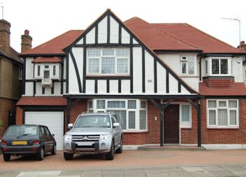 Thumbnail 5 bedroom detached house to rent in Edgwarebury Lane, Edgware