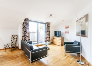 Thumbnail 1 bedroom flat to rent in Hernes Crescent, Oxford