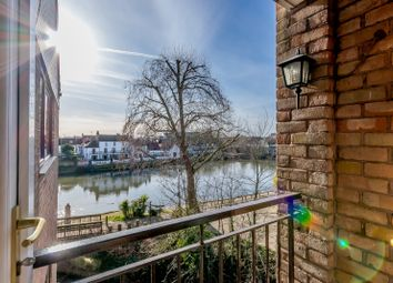 Thumbnail 2 bedroom flat for sale in 15 Colnebridge Close, Staines-Upon-Thames