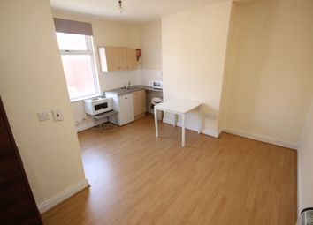 Thumbnail Studio to rent in Recreation Terrace, Leeds