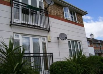 2 bed flat to rent in Amhurst Walk, London SE28
