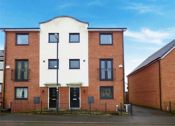 Thumbnail 4 bed town house for sale in Shillingford Road, Chadderton, Oldham, Lancashire