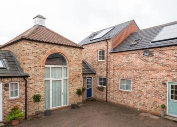 Thumbnail 3 bed town house for sale in Dove Court, Easingwold, York