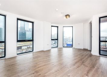 Roosevelt Tower, 18 Williamsburg Plaza, Canary Wharf, London E14. 2 bed flat