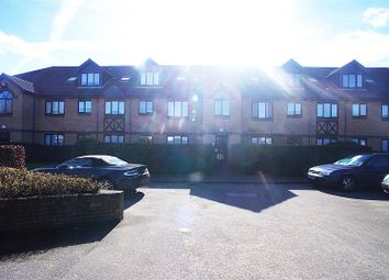 Thumbnail 1 bed flat to rent in Bradley Road, Enfield