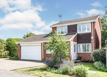 Cromwell Avenue, Thame OX9. 3 bed detached house