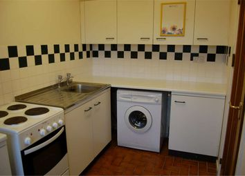 Thumbnail 2 bed flat to rent in Spenlove Close, Abingdon, Oxfordshire