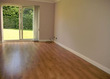 Thumbnail 2 bed flat to rent in Hove Gardens, Sutton