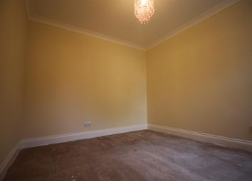 Thumbnail 4 bed flat to rent in Arcadian Gardens, London