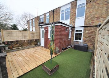 Thumbnail 3 bed maisonette to rent in Station Road, Hook