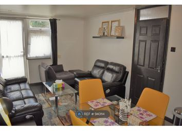 2 bed maisonette to rent in Copford Close, Woodford Green IG8