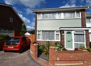 Hopfield Close, Waterlooville PO7. 3 bed semi-detached house