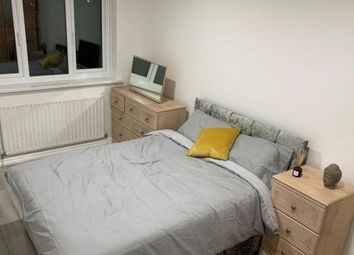 Thumbnail Room to rent in Greenham Close, London
