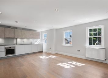Coptfold Road, Brentwood CM14. 2 bed flat for sale