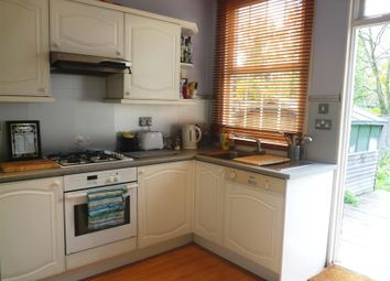 2 bed maisonette to rent in Arnold Court, Truro Road, Bounds Green N22