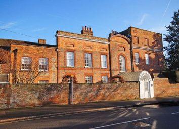 Thumbnail 3 bed flat for sale in Elmhurst, Great Missenden