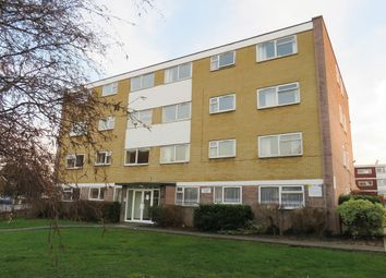 Thumbnail 2 bedroom flat to rent in Parkgate Road, Wallington