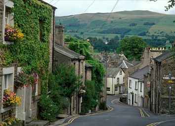 Thumbnail Retail premises for sale in Kirkby Lonsdale, Cumbria