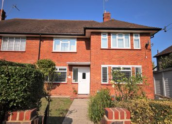 The Crescent, Epsom KT18. 2 bed maisonette