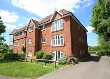 Thumbnail 1 bed flat to rent in Hurst Court, Horsham