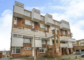 2 bed flat for sale in Railway Square, Brentwood CM14
