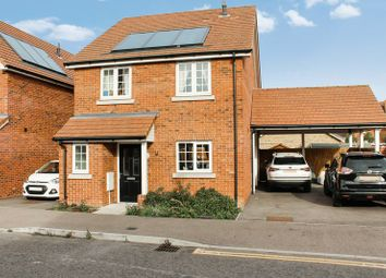 Thumbnail 4 bed detached house to rent in Farnham Avenue, Wickford