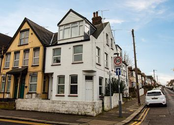 Thumbnail 2 bed flat to rent in Southview Drive, Westcliff-On-Sea, Essex