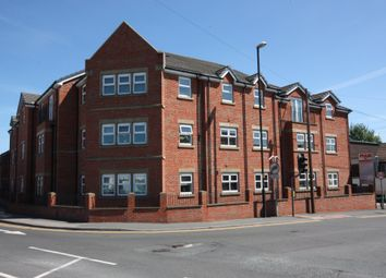 Thumbnail 2 bedroom flat to rent in Aberford Road, Garforth, Leeds