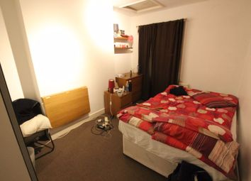 Room to rent in Lower Road, London SE16