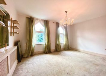 Thumbnail 3 bed flat to rent in Glenthorne Road, Friern Barnet, London