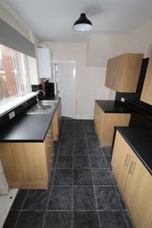 Thumbnail 2 bed flat to rent in Whitehall Rad, Gateshead
