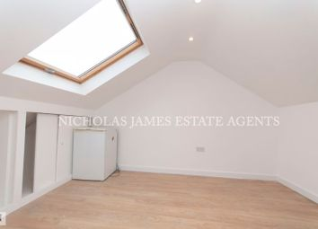 Room to rent in High Road, Wood Green, London N22