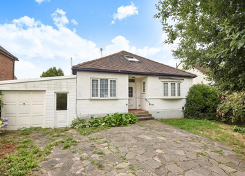 Thumbnail 4 bed detached bungalow to rent in Devonshire Road, Finchley