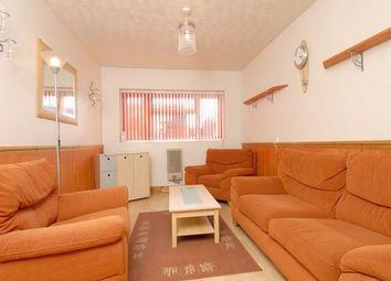 Thumbnail 2 bed flat to rent in Foxhill Road, Reading, Berkshire