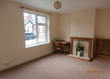 Thumbnail 4 bedroom flat to rent in Clarendon Park Road, Leicester
