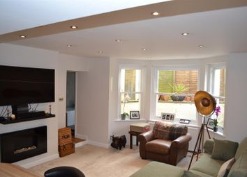 Thumbnail 2 bed flat for sale in Bayham Road, Sevenoaks