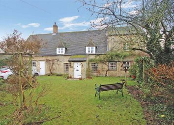 Thumbnail 4 bed cottage for sale in High Street, Standlake, Witney