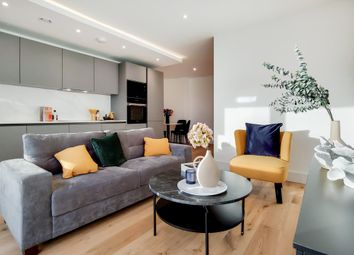 Thumbnail 3 bed flat to rent in Iconblu, Brentford